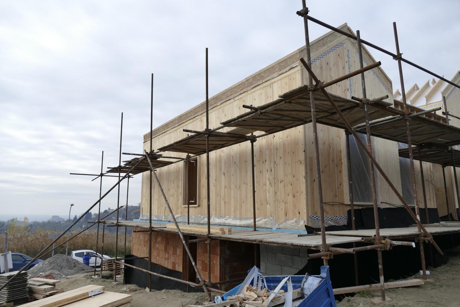 Stavba z CLT panelov